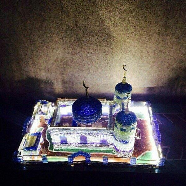 Уникальное произведение искусства: мечеть из стекла