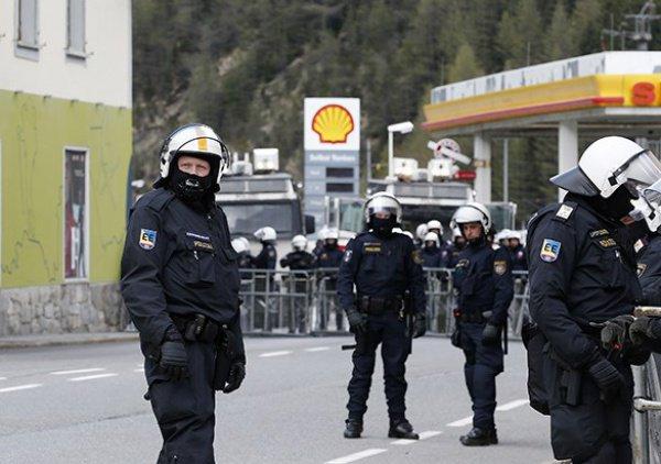 Армия на границе Австрии и Италии.
