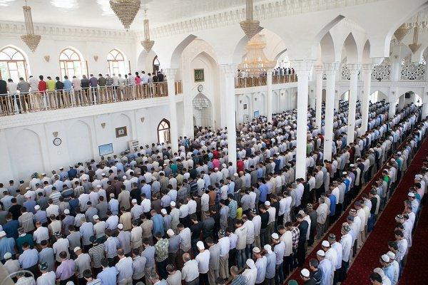 «... и они совершили джума-намаз в доме Сада ибн Усамы, в количестве двенадцати человек»