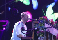 Coldplay выпустили песню в поддержку беженцев (Видео)