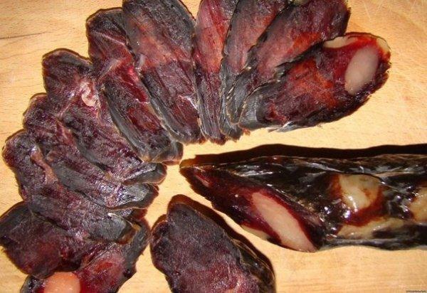 По мнению имама Абу Юсуфа употребление в пищу конского мяса является мубахом