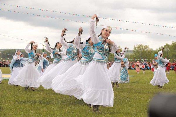 Средняя Елюзань с численностью населения больше 10 тысяч человек является одним из самых крупных сел Европы