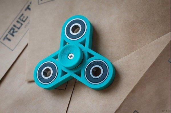 СМИ сообщали, что игрушка якобы помогает справиться с синдромом гиперактивности и дефицита внимания