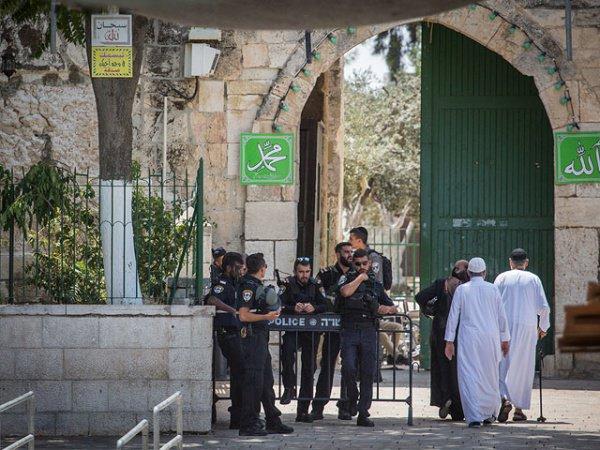 Напряженность в исторической части Иерусалима продолжается.