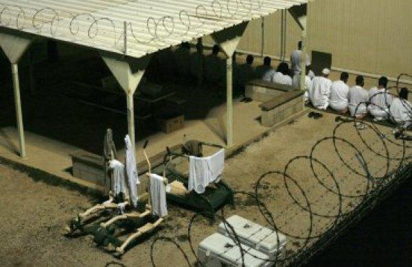 В 2009 г. лондонский фонд «Quilliam», предложил четко структурированную и проработанную программу, включающую в себя особенности работы с заключенными-мусульманами.