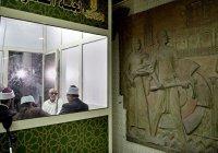 В метро Каира появилась будка религиозных советов