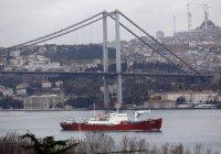 В Турции экстренно перекрыли пролив Босфор