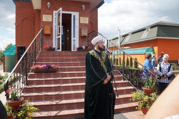 Муфтий РТ на открытии мечети.