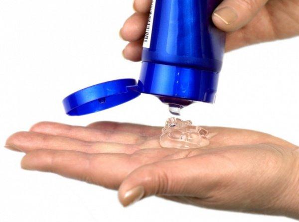 """""""Гель является густым веществом, которое препятствует попаданию воды на то место, куда он был нанесен"""""""