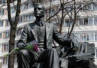 Минниханов возложит цветы к памятнику Тукая в Москве