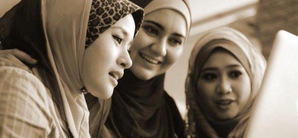 «Какие же молодцы эти женщины из числа ансаров! Их скромность и стыдливость не является для них препятствием в деле изучения своей религии»
