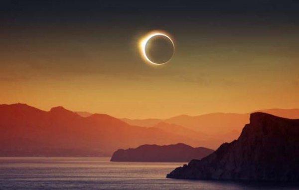 """""""Поистине, солнце и луна являются двумя знамениями из числа знамений Аллаха"""""""