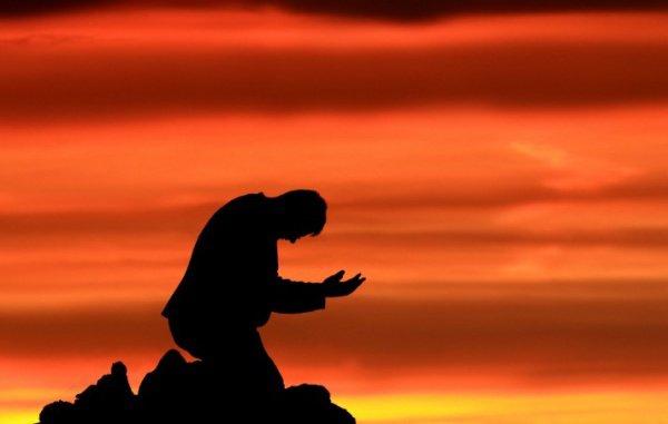 """""""Во имя нашего имана закрой глаза на наши грехи, прими наши молитвы.."""""""