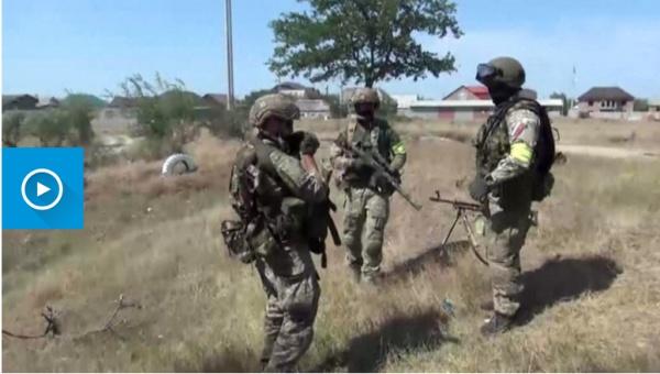 В Каспийске напали на сотрудников полиции, а в Хасавюрте проходит спецоперация