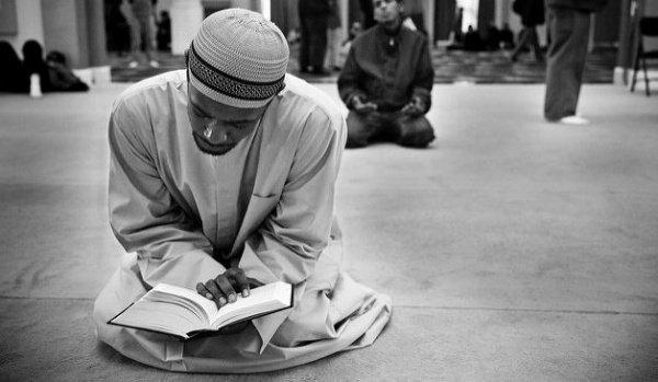 """""""Кого пожелает Аллах вести по прямому пути, тому Он раскрывает грудь для Света ислама и принятия его """""""