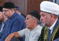 Президент РТ и мэр Казани совершили праздничный намаз в Галиевской мечети