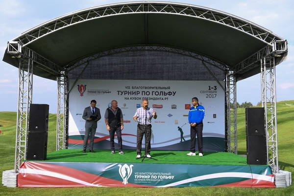 Участников соревнований поприветствовал глава республики Рустам Минниханов