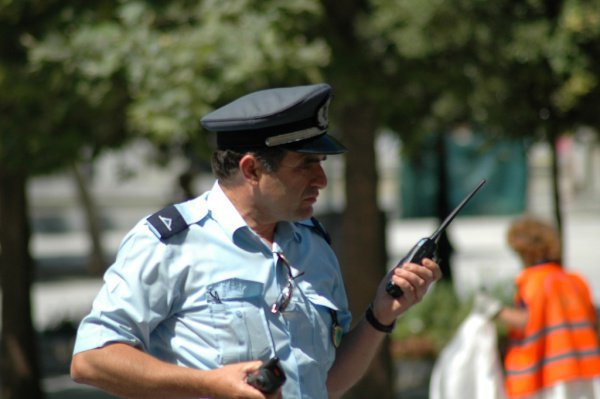 """Полиция арестовала имама - создателя """"шариатской полиции""""."""