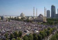 Более 1 млн человек собрал митинг в защиту мусульман Мьянмы в Грозном