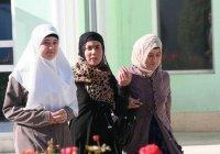 В Таджикистане начали SMS-кампанию против хиджабов