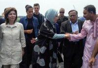 Супруга Эрдогана посетила лагерь беженцев из Мьянмы