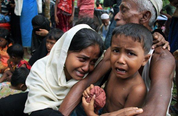 В Мьянме продолжается геноцид рохинджа.