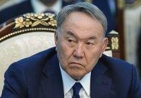 Назарбаев – молодежи: «Остерегайтесь коротких штанов»