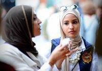 """Исламская линия доверия: """"Он хочет на мне жениться, а я боюсь гнева его первой жены..."""""""