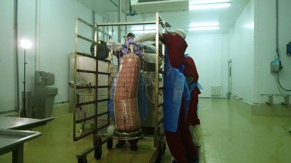 В России произведут рекордную колбасу из утки