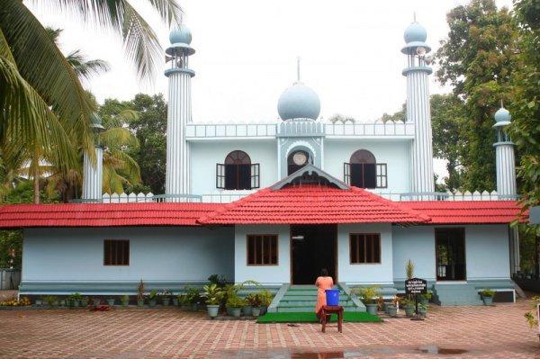 Мечеть Чираман Джума в Индии