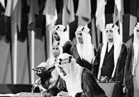 Фото короля Саудовской Аравии в компании Йоды попало в школьные учебники