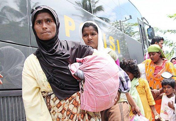 Мусульмане продолжают бежать из Мьянмы.