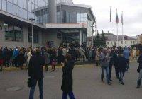 Волна телефонного терроризма в Казани (Фото, видео)