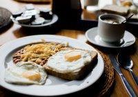 Ученые: Регулярный завтрак продлевает жизнь