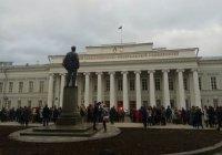 Стало известно, сколько объектов эвакуировали в Казани из-за звонков о бомбах