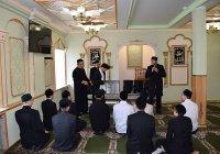 В медресе имени 1000-летия принятия ислама выдали форму