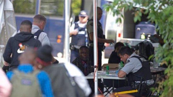 Ответы респондентов вносили в базу национальной полиции страны