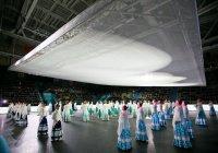 Самый большой в мире пуховый платок связали в России