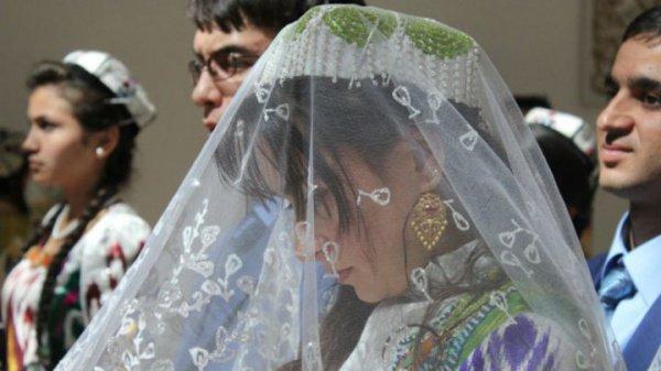 Ранний брак детей обернулся для родителей судимостью.