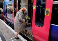 Медики запретили уступать старикам место в транспорте