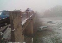 В Башкортостане с 9-метрового моста сорвался автобус из Татарстана