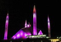 Крупнейшая мечеть выразила поддержку женщинам
