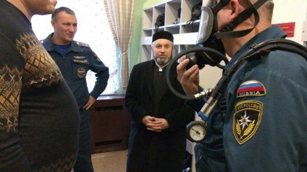 Мусульманские лидеры Набережных Челнов и сотрудники МЧС договорились о регулярных встречах.