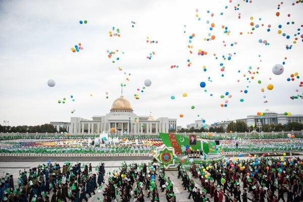 День независимости в Туркменистане.