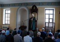 С минбаров всех республиканских мечетей призвали сохранить родной язык