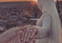 """Руководство для неженатых и незамужних. Как найти """"своего"""" человека и жить с ним счастливо?"""