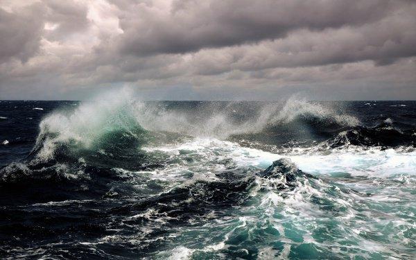 Утром 31 октября прогнозируют усиление волн до 10–12 метров с распространением днем на Олюторский и Карагинский районы