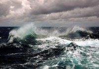 12-метровые волны обрушатся на Камчатку