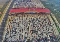 В Китае открыли дорогу из переработанного мусора