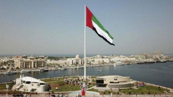 Флаг, вошедший в Книгу рекордов Гиннесса, имеет параметры 35 метров в ширину и 70 метров в длину